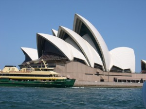 sydney-opera-house-with-sydney-ferry-collaroy